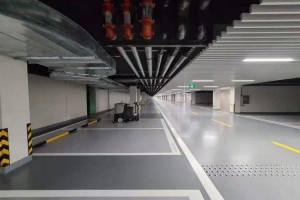 某车库环氧地坪+超耐磨地坪